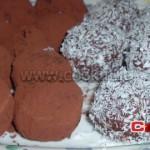 Dolci palline al cocco o cacao